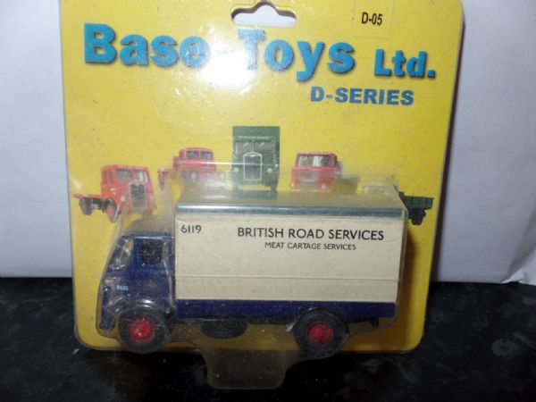 B T Models D-05 D05 Leyland Beaver Twin Axle Box Van BRS British Road Services Meat Cartage